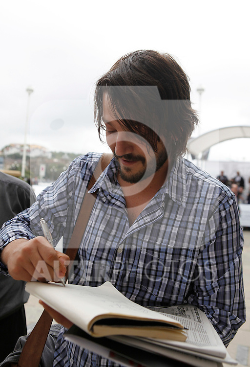 Actor Diego Luna arrives to Maria Cristina Hotel to attend the 61 San Sebastian Film Festival, in San Sebastian, Spain. September 20, 2013. (ALTERPHOTOS/Victor Blanco)