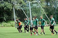 MARIENHOF - Voetbal, Trainingskamp FC Groningen , seizoen 2017-2018, 13-07-2017, het doel voor de partij wordt klaar gezet