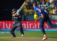 Ross Taylor in action during the ICC Cricket World Cup one day pool match between the New Zealand Black Caps and England at Wellington Regional Stadium, Wellington, New Zealand on Friday, 20 February 2015. Photo: Dave Lintott / lintottphoto.co.nz