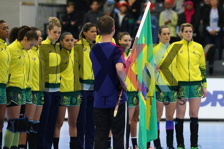 Kolding (DK), 010.12.15, Sport, Handball, 22th Women's Handball World Championship, Vorrunde, Gruppe C, Argentinien-Brasilien : Team<br /> <br /> Foto &copy; PIX-Sportfotos *** Foto ist honorarpflichtig! *** Auf Anfrage in hoeherer Qualitaet/Aufloesung. Belegexemplar erbeten. Veroeffentlichung ausschliesslich fuer journalistisch-publizistische Zwecke. For editorial use only.