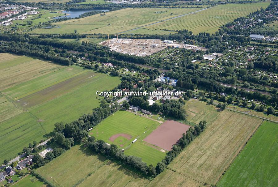 ETSV Sportplatz und Gleisdreieck Wohnungsbau  : EUROPA, DEUTSCHLAND, HAMBURG 13.07.2016:ETSV Sportplatz und Gleisdreieck Wohnungsbau am  Mittleren Landweg