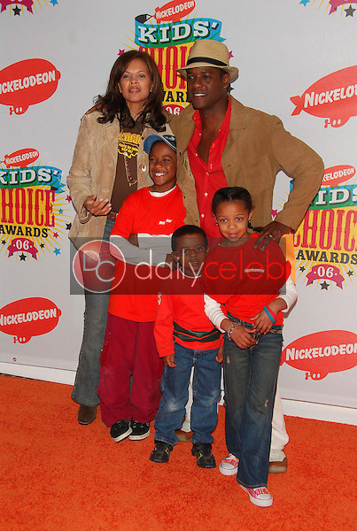 Blair Underwood and family<br />at Nickelodeon's 19th Annual Kids' Choice Awards. Pauley Pavilion, Westwood, CA. 04-01-06<br />Dave Edwards/DailyCeleb.com 818-249-4998