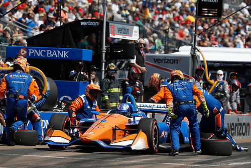 2018 Verizon IndyCar Series - Firestone Grand Prix of St. Petersburg<br /> St. Petersburg, FL USA<br /> Sunday 11 March 2018<br /> Scott Dixon, Chip Ganassi Racing Honda, pit stop<br /> World Copyright: Michael L. Levitt<br /> LAT Images<br /> ref: Digital Image _01I3055