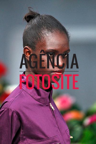 Paris, Franca&sbquo; 01/10/2013 - Desfile de Agnes B durante a Semana de moda de Paris  -  Verao 2014. <br /> Foto: FOTOSITE