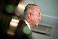 Der t&uuml;rkischee Aussenminister Mevl&uuml;t Cavusoglu gibt am Donnerstag (18.09.14) in Berlin nach einem Treffen mit seinem deutschen Amtskollegen eine Pressekonferenz.<br /> Foto: Axel Schmidt/CommonLens