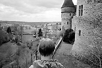 FRANCE / near Bordeaux / 10.04.2000 ..A boy at a castle in central France...© Davin Ellicson / Anzenberger