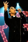 Dec 18, 2004: MORRISSEY - Earls Court Arena London UK