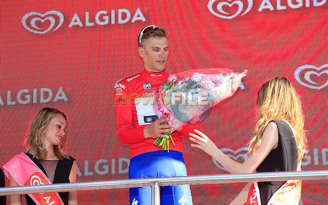 Marcel Kittel (GER) wins Stage 2 and also the Maglia Rossa of the 2016 Giro d'Italia running 190km from Arnhem to Nijmegen, The Nethrerlands. 7th May 2016.<br /> Picture: Eoin Clarke | Newsfile<br /> <br /> <br /> All photos usage must carry mandatory copyright credit (&copy; Newsfile | Eoin Clarke)