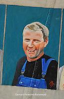 CULTUUR: GOINGARIJP: 04-05-2015, Fok SKS Skûtsjes en portretten van de schippers geschilderd door oud skûtsjeschipper Anne Tjerkstra, Gerhard Pietersma (Earnewâld), ©foto Martin de Jong