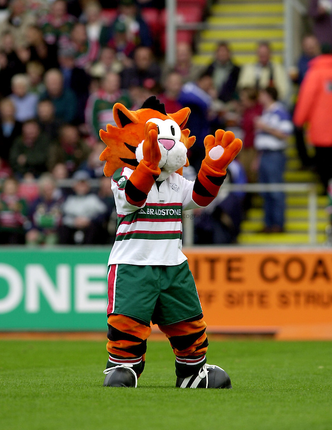 Photo. Richard Lane. .Leicester Tigers v Bath Rugby. Zurich Premiership. 05/10/2002.Leicester Tigers mascot.