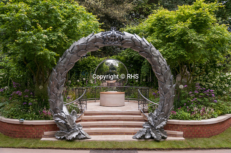 The CWGC Centenary Garden. Designed by: David Domoney. Sponsored by: Commonwealth War Graves Commission. RHS Chelsea Flower Show 2017. Stand no. Artisan Garden 564
