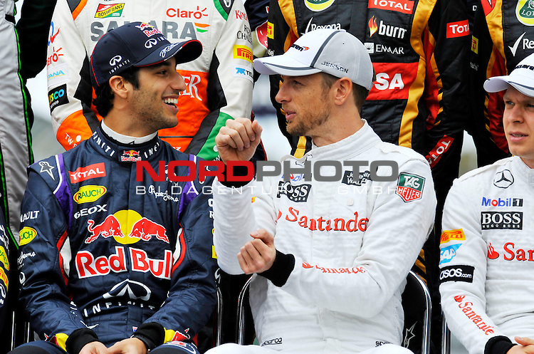 Daniel Ricciardo (AUS)  Red Bull Racing - Jenson Button (GBR),  McLaren F1 Team <br />  Foto &copy; nph / Mathis