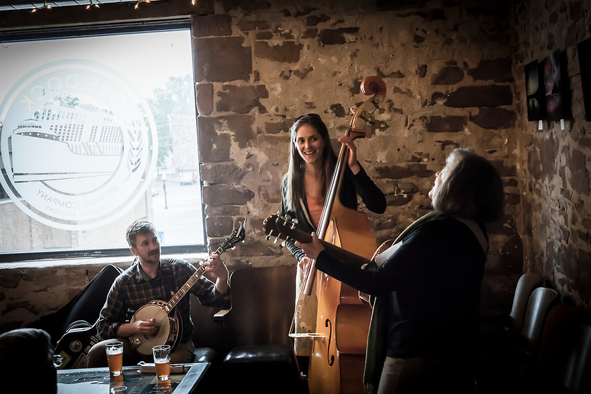 Acoustic jam session at Ore Dock Brewery, Marquette, Michigan.
