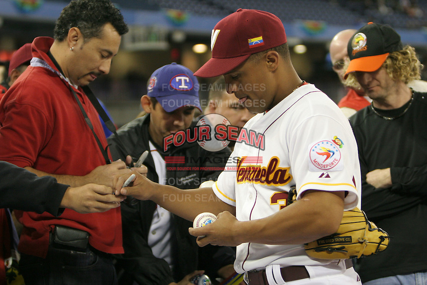 March 8, 2009:  Cesar Izturis (3) of Venezuela during the first round of the World Baseball Classic at the Rogers Centre in Toronto, Ontario, Canada.  Venezuela lost to Team USA 15-6 in both teams second game of the tournament.  Photo by:  Mike Janes/Four Seam Images