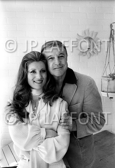 June 1978. Los Angeles, California, USA. Sheila and Gene Kelly at her house in Los Angeles.