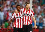Nederland, Eindhoven, 18 augustus 2012.Seizoen 2012-2013.PSV-Roda JC.Tim Matavz (r.) van PSV omarmt Jeremain Lens (l.) van PSV nadat Lens de 4-0 heeft gescoord.
