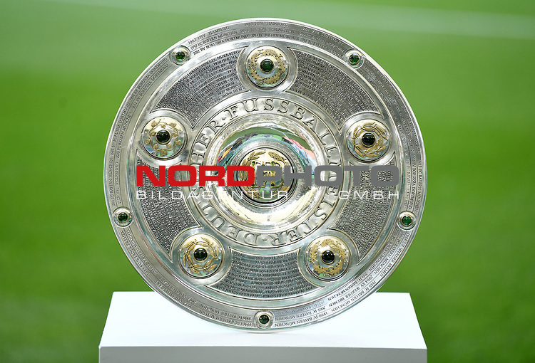 Meisterschale<br />Wolfsburg, 27.06.2020: nph00001: , Fussball Bundesliga, VfL Wolfsburg - FC Bayern Muenchen<br />Foto: Tim Groothuis/Witters/Pool//via nordphoto<br /> DFL REGULATIONS PROHIBIT ANY USE OF PHOTOGRAPHS AS IMAGE SEQUENCES AND OR QUASI VIDEO<br />EDITORIAL USE ONLY<br />NATIONAL AND INTERNATIONAL NEWS AGENCIES OUT