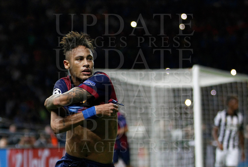 Calcio, finale di Champions League Juventus vs Barcellona all'Olympiastadion di Berlino, 6 giugno 2015.<br /> FC Barcelona's Neymar celebrates after scoring in the last seconds of the Champions League football final between Juventus Turin and FC Barcelona, at Berlin's Olympiastadion, 6 June 2015. Barcelona won 3-1.<br /> UPDATE IMAGES PRESS/Isabella Bonotto