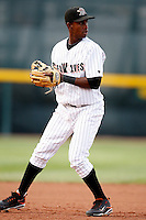August 1, 2009:  Third Baseman Santo De Leon of the Erie Seawolves during a game at Jerry Uht Park in Erie, PA.  Erie is the Eastern League Double-A affiliate of the Detroit Tigers.  Photo By Mike Janes/Four Seam Images