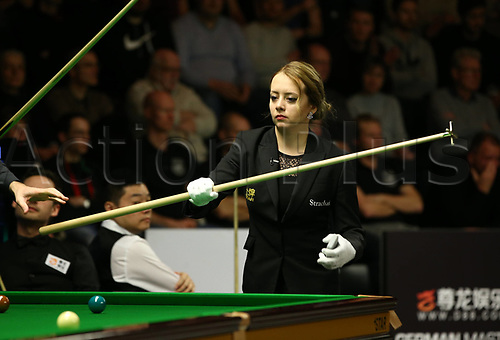 1st February 2019, Berlin, Germany; Snooker Berlin German Masters in Tempodrom; Referee Desislava Boshilova (BUL) hands the rest to a player