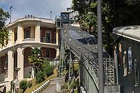 France, Aquitaine, Pyrénées-Atlantiques, Béarn, Pau: Le funiculaire et le Pavillon des Arts,   //  France, Pyrenees Atlantiques, Bearn, Pau:   the funicular and  Pavillon des Arts