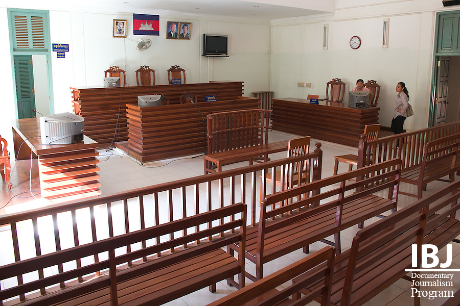 Kandal Province Courthouse just before a defendant is tried before a judte.