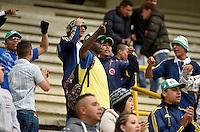 TUNJA -COLOMBIA, 25-02-2017. Hinchas de Cali animan a su equipo durante el encuentro entre Patriotas FC y Deportivo Cali por la fecha 6 de la Liga Águila I 2017 realizado en el estadio La Independencia de Tunja. / Fans of cali cheer for their team during the match between Patriotas FC and Deportivo Cali for the date 6 of Aguila League I 2017 played at La Independencia stadium in Tunja. Photo: VizzorImage/César Melgarejo/Cont