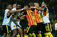 PEREIRA - COLOMBIA, 10-06-2019: Jugadores del Pereira celebran después de anotar el primer gol durante partido entre Deportivo Pereira y Cortuluá por la final vuelta del Torneo Águila 2019 I jugado en el estadio Hernán Ramírez Villegas de la ciudad de Pereira. / Players of Pereira celebrate after scoring the first goal during second leg final match between Deportivo Pereira and Cotulua for the Aguila Tournament 2019 I played at the Hernan Ramirez Villegas stadium in Pereira city.  Photo: VizzorImage/ Juan Torres / Cont