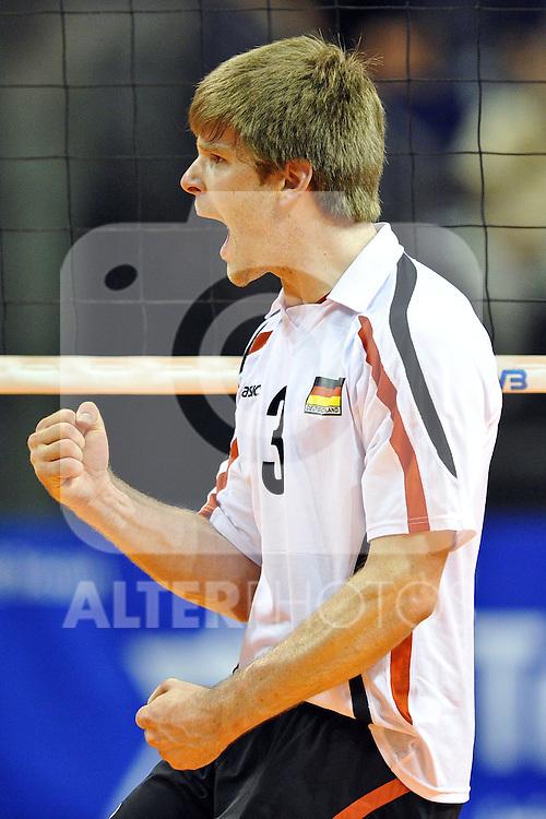 30.06.2010, Max Schmeling Halle, Berlin, GER, FIVB World League 2010, Deutschland ( GER ) vs. Argentinien ( ARG ), im Bild Sebastian Schwarz (#3 GER / Generali Haching GER). Foto © nph / Kurth