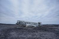 Wreck of a Douglas R4D-8 / Super DC-3 at the beach of Solheimasandur.<br /> The airplane of the US-Navy make a forced landing 21.11.1973.<br /> Wrack einer Douglas R4D-8 vom Typ Super DC-3 am Strand von Solheimasandur in Island.<br /> Die Maschine der US-Navy ist wegen Spirtmangel am 21. November 1973 am Strand von Solheimasandur notgelandet. Mittlerweile ist nur noch ein Teil des Rumpfes vorhanden.<br /> 17.3.2016, Solheimasandur<br /> Copyright: Christian-Ditsch.de<br /> [Inhaltsveraendernde Manipulation des Fotos nur nach ausdruecklicher Genehmigung des Fotografen. Vereinbarungen ueber Abtretung von Persoenlichkeitsrechten/Model Release der abgebildeten Person/Personen liegen nicht vor. NO MODEL RELEASE! Nur fuer Redaktionelle Zwecke. Don't publish without copyright Christian-Ditsch.de, Veroeffentlichung nur mit Fotografennennung, sowie gegen Honorar, MwSt. und Beleg. Konto: I N G - D i B a, IBAN DE58500105175400192269, BIC INGDDEFFXXX, Kontakt: post@christian-ditsch.de<br /> Bei der Bearbeitung der Dateiinformationen darf die Urheberkennzeichnung in den EXIF- und  IPTC-Daten nicht entfernt werden, diese sind in digitalen Medien nach &sect;95c UrhG rechtlich geschuetzt. Der Urhebervermerk wird gemaess &sect;13 UrhG verlangt.]