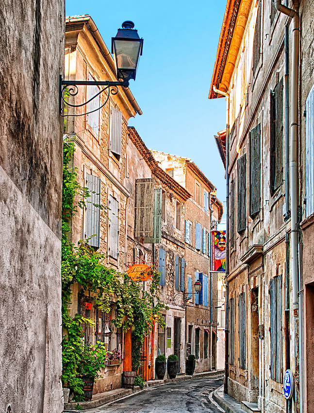 Old street in Saint Rémy de Provence