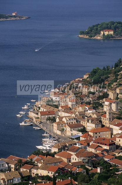 Europe/Croatie/Dalmatie/ Ile de Vis/Vis:  le port