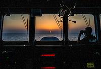 Mar Mediterraneo. Plancia comando nave Cigala Fulgosi della marina Militare al tramonto.