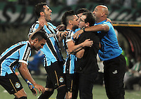 MEDELLIN -COLOMBIA. 02-04-2014. Dudu de Gremio de Brasil  celebra su gol  contra Atletico Nacional  de Colombia  durante el partido  de La Copa Bridgestone Libertadores de America   disputado en el estadio Atanasio Girardot / Dudu  of Gremio of Brasil  celebrates hid goal against Atletico Nacional of Colombia  during the match  of the Copa Libertadores de America Bridgestone played at Atanasio Girardot   stadium . Photo: VizzorImage / Luis Rios  / Stringer