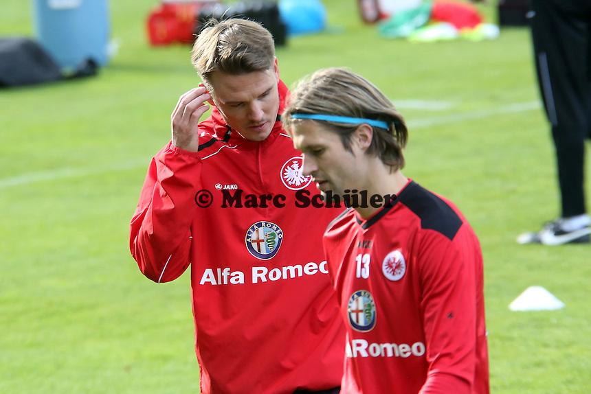 Alex Meier (Eintracht) mit Martin Lanig