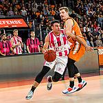 05.01.2020, ratiopharm arena, Neu-Ulm, GER, BBL, ratiopharm ulm vs Telekom Baskets Bonn, <br /> im Bild Anthony DiLeo (Bonn, #11), Andreas Obst (Ulm, #17)<br />   <br /> Foto © nordphoto / Hafner