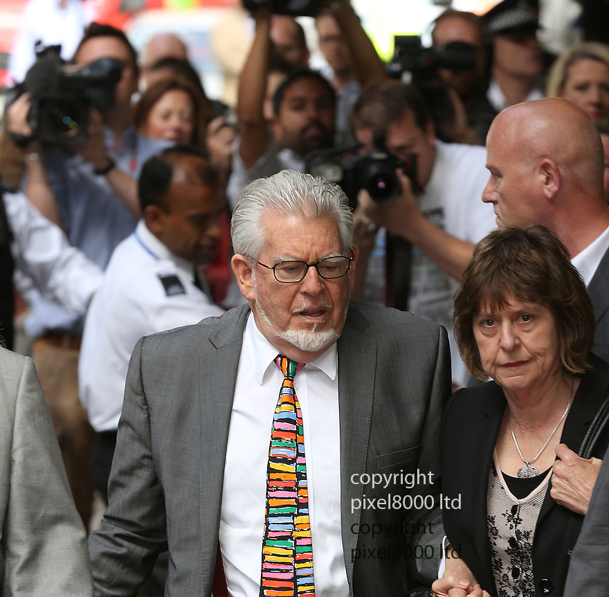 Pic shows: Rolf Harris arrives at court for sentencing today.<br /> 4.6.14<br /> <br /> <br /> <br /> Pic by Gavin Rodgers/Pixel 8000 Ltd