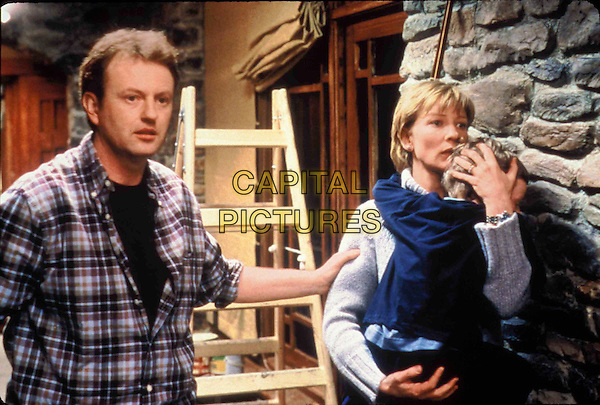 BARRY BARNES, CATE BLANCHETT & SIMON O'DRISCOLL.in Veronica Guerin.Filmstill - Editorial Use Only.CAP/AWFF.supplied by Capital Pictures.
