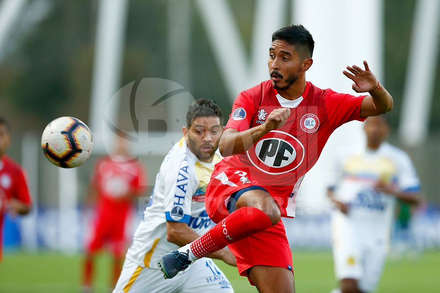 LA CALERA, CHILE, 05.02.2019 - UNION LA CALERA-CHAPECOENSE - Matias Navarrete (d), durante partida entre Union La Calera e Chapecoense valida pela primeira fase da Copa Conmebol Sulamericana no Estadio Nicolas Chahuan no Chile nesta terça-feira, 05.  (Foto: Pablo Vera-lisperguer/Brazil Photo Press/Xpress Media)