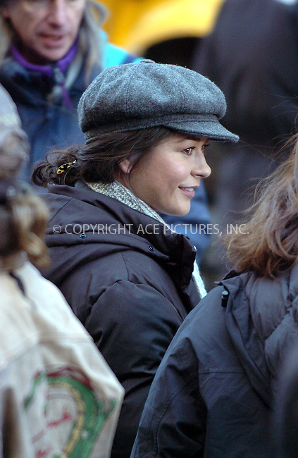 WWW.ACEPIXS.COM . . . . . ....NEW YORK, FEBRUARY 27, 2006....Catherine Zeta Jones on location filiming in New York City. ....Please byline: AJ Sokalner - ACEPIXS.COM.... *** ***..Ace Pictures, Inc:  ..Philip Vaughan (212) 243-8787 or (646) 769 0430..e-mail: info@acepixs.com..web: http://www.acepixs.com