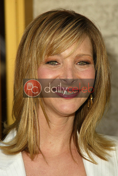 Lisa Kudrow<br /> at the Los Angeles Premiere of &quot;Happy Endings&quot; at Mann National Theater, Westwood, CA 06-26-05<br /> David Edwards/DailyCeleb.Com 818-249-4998