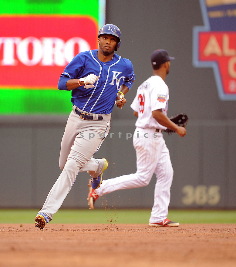 Kansas City Royals Alcides Escobar (2) during a game against the Minnesota Twins on August 17, 2014 at Target Field in Minneapolis, MN. The Royals beat the Twins 12-6.