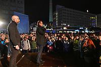 In Berlin haben am Montagabend (04.11.2019) die Feierlichkeiten zum 30. Jubilaeum der friedlichen Revolution in der DDR und des Mauerfalls begonnen. Eroeffnet wurde die Festivalwoche auf dem Alexanderplatz vom Regierenden Buergermeister Michael Mueller (SPD) (rechts). Dort waren erstmals grossflaechige 3D-Videoprojektionen mit historischen Filmaufnahmen zu den Ereignissen von 1989/1990 zu sehen.<br /> Links im Bild: Moritz van Duelmen, Geschaeftsfuehrer von Kulturprojekte Berlin.<br /> 4.11.2019, Berlin<br /> Copyright: Christian-Ditsch.de<br /> [Inhaltsveraendernde Manipulation des Fotos nur nach ausdruecklicher Genehmigung des Fotografen. Vereinbarungen ueber Abtretung von Persoenlichkeitsrechten/Model Release der abgebildeten Person/Personen liegen nicht vor. NO MODEL RELEASE! Nur fuer Redaktionelle Zwecke. Don't publish without copyright Christian-Ditsch.de, Veroeffentlichung nur mit Fotografennennung, sowie gegen Honorar, MwSt. und Beleg. Konto: I N G - D i B a, IBAN DE58500105175400192269, BIC INGDDEFFXXX, Kontakt: post@christian-ditsch.de<br /> Bei der Bearbeitung der Dateiinformationen darf die Urheberkennzeichnung in den EXIF- und  IPTC-Daten nicht entfernt werden, diese sind in digitalen Medien nach §95c UrhG rechtlich geschuetzt. Der Urhebervermerk wird gemaess §13 UrhG verlangt.]