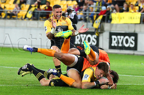 09.04.2016. Wellington, New Zealand.  Hurricanes' Beauden Barrett dives in to score during the Round 7 Super Rugby match, Hurricanes  versus Jaguares at Westpac Stadium, Wellington. 9th April 2016.