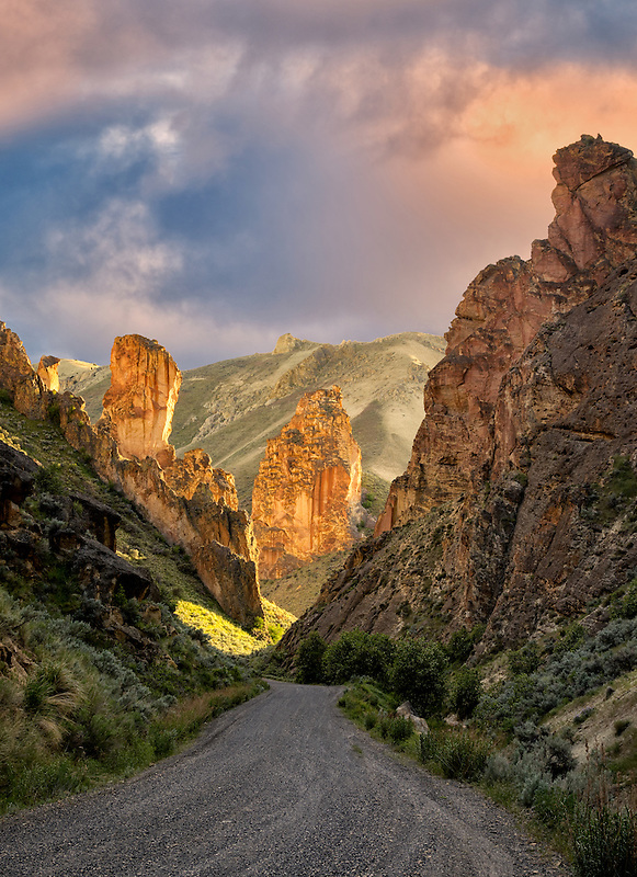 Road and rock formations in Leslie Gulch, Malhuer County, Oregon