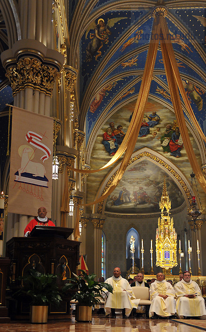 Archbishop Wilton D. Gregory, Archbishop of Atlanta preaches during Mass at the Basilica of the Sacred Heart May 7, 2010 during the 2010 Catholic Cultural Diversity Network Convocation on the campus of the University of Notre Dame...Photo by Matt Cashore/University of Notre Dame
