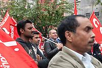 Festa dei lavoratori. I facchini delle cooperative che lavorano in appalto per Esselunga. Pioltello (Milano), 1 maggio 2012...Labour Day. The porters of the cooperatives that work under contract to Esselunga. Pioltello (Milan), May 11, 2012