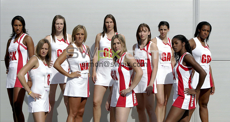 Pix by BEN DUFFY/SWpix.com - England Netball portrait session........12/09/05..Picture Copyright >> Simon Wilkinson >> 07811267706..members of the England netball squad