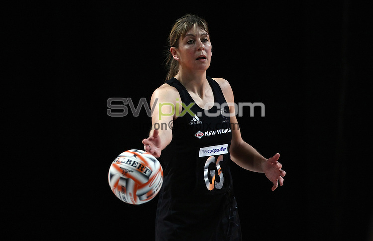 PICTURE BY VAUGHN RIDLEY/SWPIX.COM - Netball - World Netball Series 2009 - MEN Arena, Manchester, England - 09/10/09...Copyright - Simon Wilkinson - 07811267706...New Zealand v Malawi - New Zealand's Irene van Dyk.