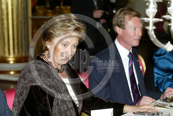 "BRUSSELS - BELGIUM - 17 NOVEMBER 2005 -- Belgium Queen Paola and The Grand Duke of Luxemburg during the lunch at the Royal Palace in Brussels before the opening of the exhibition about ""Queen Astrids life in Belgium"".  PHOTO: ERIK LUNTANG / EUP-IMAGES.."